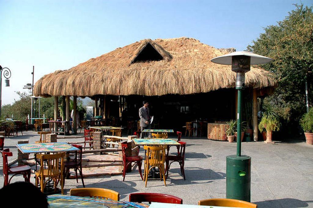Daman-e-Koh-Restaurant