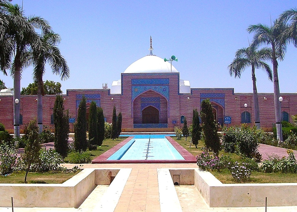 Shah-Jahan-Mosque-in-Thatta-Pakistan-01