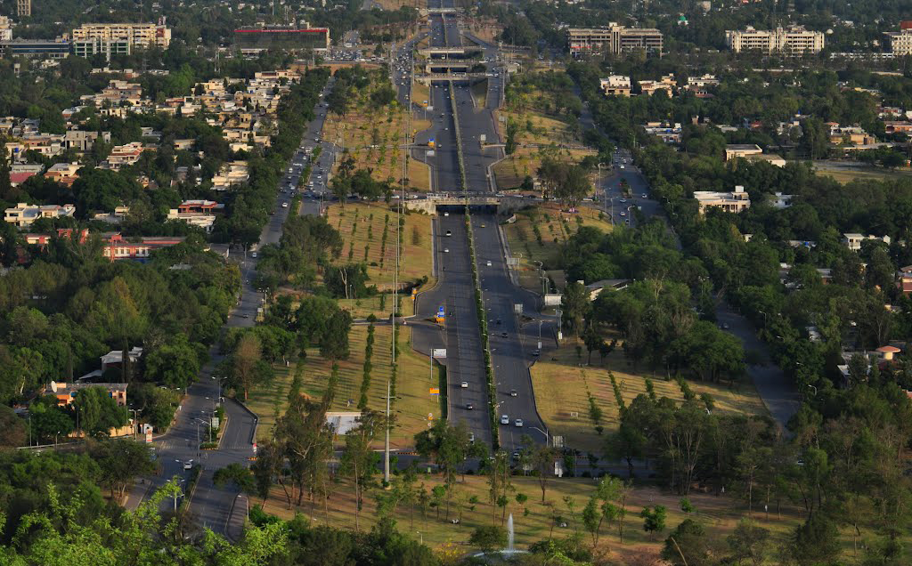 view of islamabad from daman e koh